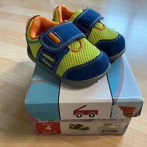 New See Kai Run Stanley Green Sneakers 4 EU20
